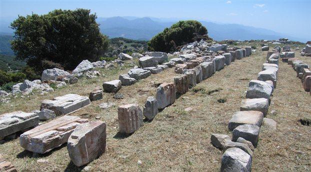 Σε ύψος χιλίων μέτρων στη Μεσσηνία : Αποκαλύφθηκε άγνωστος αρχαίος ναός απέναντι από τον Επικούρειο