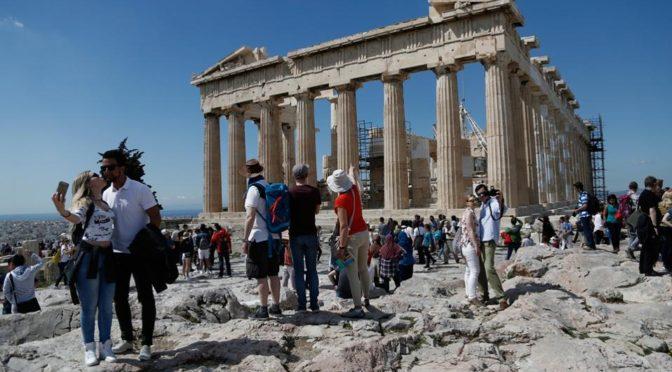 Οι Γάλλοι τουρίστες επιστρέφουν φέτος Ελλάδα για διακοπές