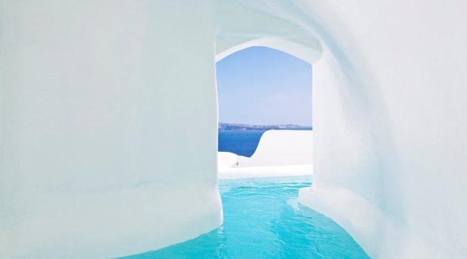 Αυτό είναι το θεϊκό ξενοδοχείο στη Σαντορίνη που αποθεώνει ο διεθνής Τύπος [photos]
